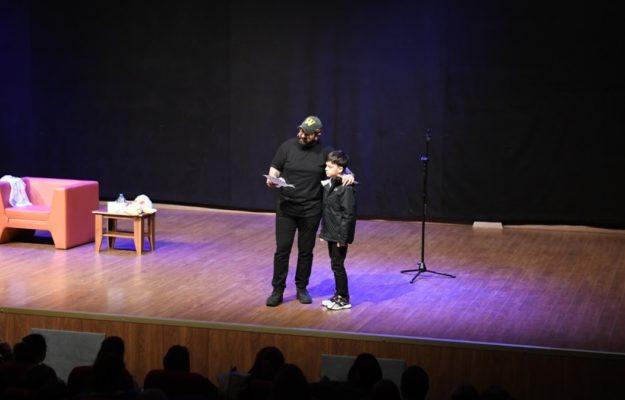 Eroğlu'ndan Stand-Up Şov