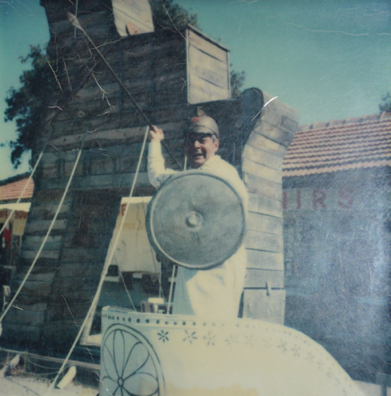 Troia Atı önünde savaş arabası