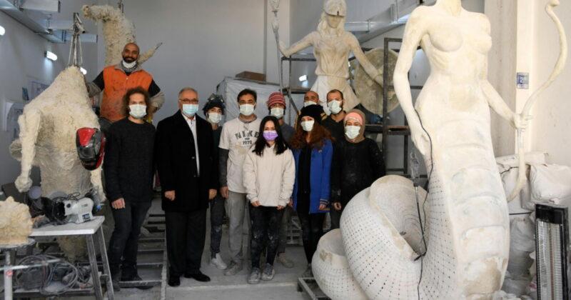 Başkan Gökhan'dan Sanatçılara Destek Ziyareti