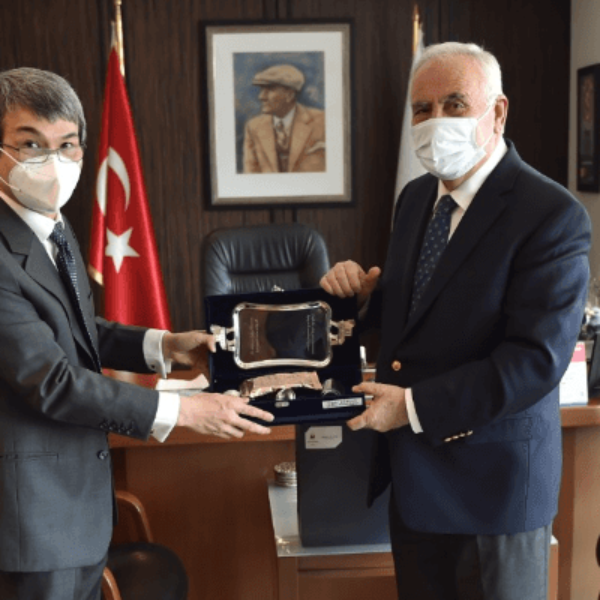 Başkonsolos Leon'dan Başkan Gökhan'a Ziyaret