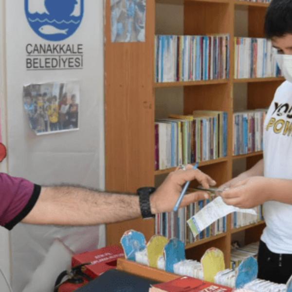 Turgut Reis Ortaokulu Öğrencilerinden Kütüphaneye Ziyaret