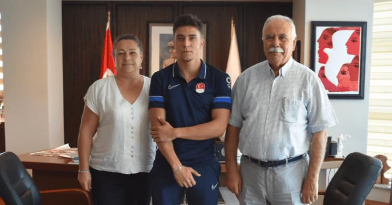 Başkan Gökhan, Olimpiyat Sporcusu Uyar ve Antrenörü Berberoğlu'nu Ağırladı