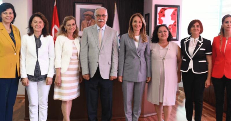 Başkan Gökhan, Cumhuriyet Halk Partisi Kadın Kolları Genel Başkanı Nazlıaka'yı Ağırladı