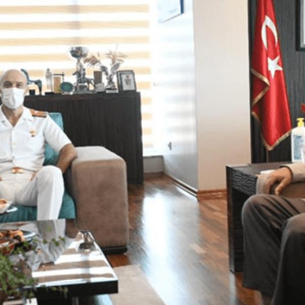 Tuğamiral Ecevit'ten Başkan Gökhan'a Ziyaret